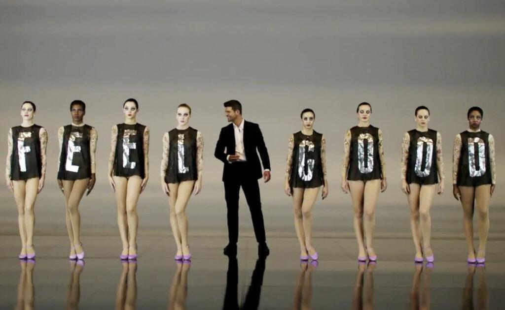 Six K - Artist - Ivy Jarrin - Performance