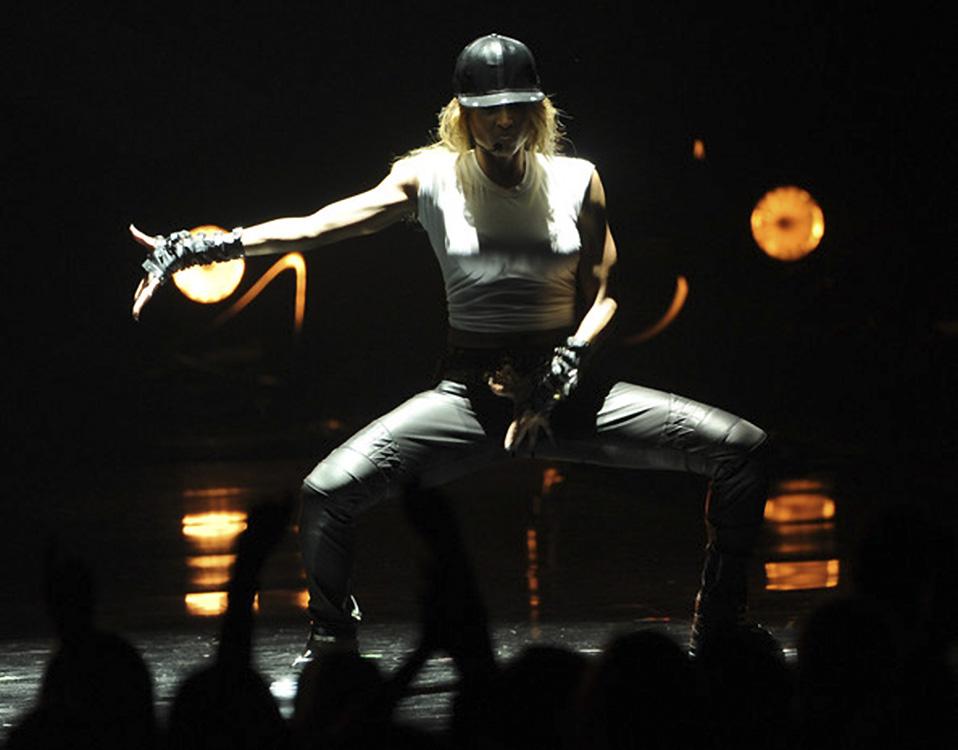 Six K - Artist - Misha Rudolph - Performance