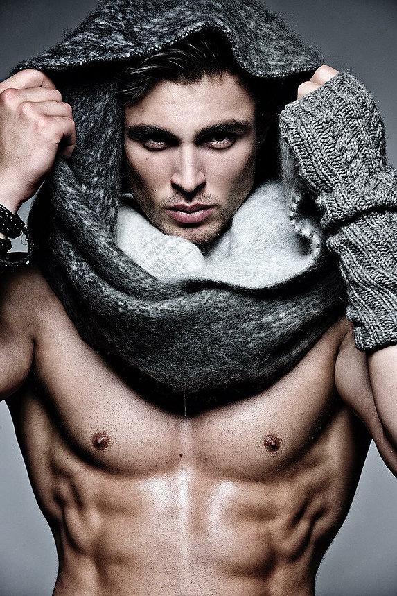 Samuel-Rodriguez-Grooming